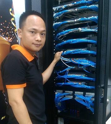 Chuyên viên kỹ thuật IT SmallNET quản trị hệ thống server
