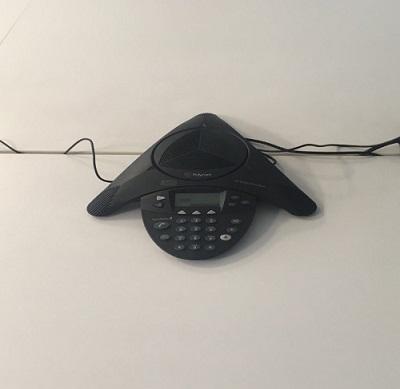 Điện thoại hội nghị được SmallNET cài đặt
